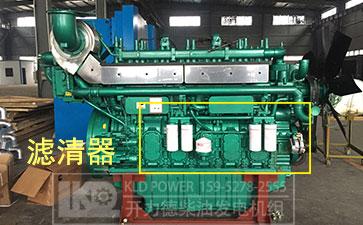 在柴油机上标注出的柴油滤清器位置